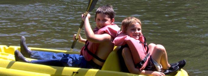banner-boys-canoe